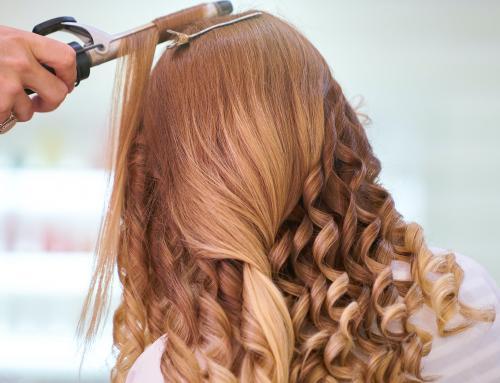 Jak odmłodzić się fryzurą?